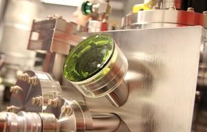På solcellelaboratoriet testes blant annet materialets lysabsorberende egenskaper